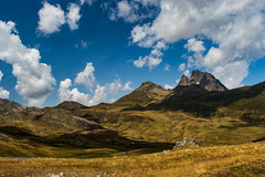 DSC_0050 (fernandocacho) Tags: verano pirineo francia españa cielo sky mountain nubes clouds