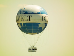 Die Welt (Raoul Pop) Tags: berlin summer balloon event people germany object sightseeing person hotairballoon above time eveniment de