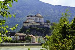 Festung Kufstein - Kufstein Fortress (Kat-i) Tags: festung kufstein fortress tirol tyrol österreich austria fluss river inn häuser buildings bäume trees nikon1v1 kati kuba 2018