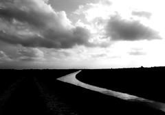 IMG_0004x (gzammarchi) Tags: specialexbarbara italia paesaggio natura pianura campagna ravenna borgomontone nuvola canale bn