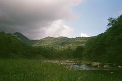 鯉魚潭 (briandodotseng59) Tags: asia taiwan east color coth5 olympus 35sp fujifilm c200 travel trip summer classic old 底片 台灣 花蓮 green cloud sky