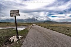 Campo Imperatore - Gran Sasso (Maurizio ) Tags: gransasso tibet mountain italy d810 reflex nikkor afs1424f28 caciocavallo pecorino oasideserto strade