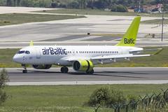 YL-CSH | Air Baltic | Bombardier BD-500-1A11 CS300 | CN 55016 | Built 2017 | LIS/LPPT 04/05/2018 (Mick Planespotter) Tags: aircraft airport 2018 portela portugal lisbon nik sharpenerpro3 ylcsh air baltic bombardier bd5001a11 cs300 55016 2017 lis lppt 04052018