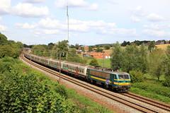 HLE 2707 IC 1735 Liège-Guillemins - Quiévrain, à Hennuyères (phi5104) Tags: trains treinen sncb nmbs hennuyères
