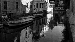 groenerei (rey perezoso) Tags: 2018 bruges belgium canal belgië europa brugge city reflections boat blackandwhite buildings cityscape belgique westvlaanderen bricks hotel flanders europe bw daylight water wasser eu signs historical sightseeing