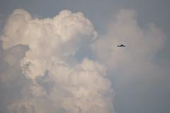 Helicóptero y nube de tormenta (Joaquim F. P.) Tags: aw139 inr502c inaer lers tormenta cumulonimbo nube meteorología meteo tarragona reus joaquimfp ecmhp agustawestland salou spain weather storm meteorologia eltiempo sony ilce 6300 a6300 alpha sel55210 zoom telezoom emount mirrorless evil ilce6300 apsc sensor nex ilc milc bealpha