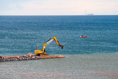 390F (HivizPhotography) Tags: cat 390f caterpillar construction excavator sea wind turbine vessel north northeast uk scotland aberdeen ahep harbour expansion breakwater tracked heavy plant ashleigh