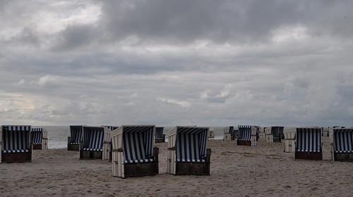 Des corbeilles au ciel, plage de Kampen, Sylt, Nordfriesland, Schleswig-Holstein, Allemagne.