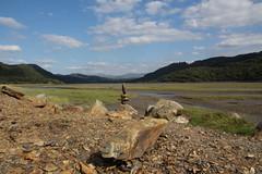 Daear, Awyr a Dŵr Elfennau (Andrew 62) Tags: stonestack rocks balance mawddachestuary bontddu gwynedd cymru wales mountains clouds trees