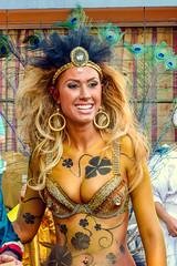 2010-02-06 Desfile de Llamadas en Montevideo (02) - Giannina Silva war 2007 Miss Uruguay und Miss Latin America. Waehrend des Karnevals fungiert sie als 'Vedette' (eine Art Primaballerina) der Candombe-Gruppe 'C 1080', die von ihrem Grossvater gegruendet (mike.bulter) Tags: vedette misslatinamerica misslateinamerika missuruguay karneval carnival umzug parade karnevalsumzug desfiledellamadas frau gianninasilva menschen montevideo people southamerica suedamerika uruguay woman barriosur ury carnaval