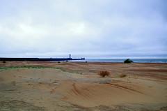 Epars (Atreides59) Tags: dunkerque nord france beach plage sable sand ciel sky mer sea water eau jaune yellow blue bleu nuages clouds phare pentax k30 k 30 pentaxart atreides atreides59 cedriclafrance