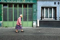 La mouette rieuse ( serie walkers ) (Jean-Marc Vernier) Tags: walk streetwalk streetview streetphotography street urban city fujifilm fujixt20