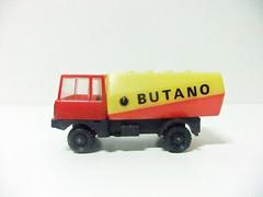 "CAMIÓN CISTERNA ""BUTANO"" (RMJ68) Tags: camion cisterna butano gas tank plastico plastic truck juguete toy coches cars gdc kiosco baratija"