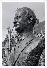 Robert GALLEY (Francis =Photography=) Tags: robertgalley résistant politique combattant hérosdeguerre statue monument basiliquesainturbain placedelalibération troyes aube grandest champagne