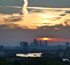 London at Sunset (Waterford_Man) Tags: london thames city england sky sunset clouds