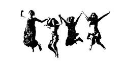 Haut les filles ! (Pi-F) Tags: nb noiretblanc femme fille saut contraste joie jeune