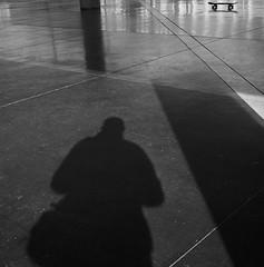 En la nacional (RoryO'Bryen) Tags: universidadnacionaldecolombia abstract shadow shadows sombras roryobryen copyrightroryobryen colombia patineta skateboarding skateboard bogotá blackandwhite noiretblanc biancoenero pretoebranco kodaktrix black film 120mm rolleiflex