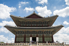 Sajeongjeon (syf22) Tags: palace residence royal king sovereign stately castle dwelling manor mansion fort hold building korean classic buildings formal decorated design decoration intricate details interrelated complicate maze columns posts support earthasia