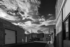 (el zopilote) Tags: trinidad colorado architecture street townscape clouds smalltowns powerlines canon eos 1dsmarkiii canonef24105mmf4lisusm fullframe bw bn nb blancoynegro blackwhite noiretblanc digitalbw bndigital schwarzweiss monochrome