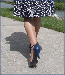 2018 - 08 -  Karoll  - 540 (Karoll le bihan) Tags: escarpins shoes stilettos heels chaussures pumps schuhe stöckelschuh pantyhose highheel collants bas strumpfhosen talonshauts highheels stockings tights