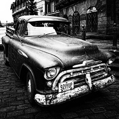 Chevy (JEFF CARR IMAGES) Tags: northwestengland cheshire towncentres urbanlandscapes classiccars