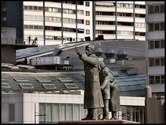 (motorhand2) Tags: bremerhaven deutschland geestemünde bremen deu figur figuren skulptur statue denkmal sculpture art kunst artist face gesicht hand hände