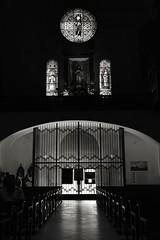 Exit - Sortida (Joan Fernàndez) Tags: bw iglesia pueblo door nikond3400 windows ventana finestra porta cadaqués blancoynegro church eglise catalonge girona noir