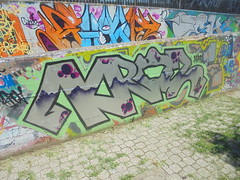 822 (en-ri) Tags: kros grigio viola verde nero firenze wall muro graffiti writing