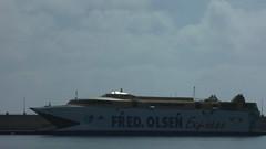 DSCF1271 (rugby#9) Tags: tenerife canaryislands canaries cloud clouds silhouette sea ocean water bay catermaran fredolsen fredolsenexpress ferry santacruzdetenerife port