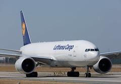 B777 | D-ALFB | FRA | 20180818 (Wally.H) Tags: boeing 777 boeing777 b777 dalfb lufthansa cargo fra eddf frankfurtmain airport