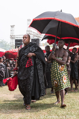 At the Queen Mother's funeral - arriving with (ceremonial) weapons