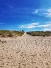 Normandie, France. ☀️ (manuelaporet) Tags: plage sable france normandie sky bleu blue ciel
