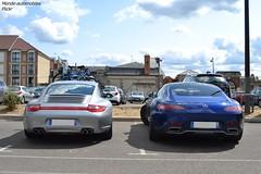 Laquelles prenez-vous ? (Monde-Auto Passion Photos) Tags: voiture vehicule auto automobile duo combo porsche 911 carrera 996 4s coupé gris grey sportive mercedes amg gt bleu blue supercar france fontainebleau