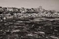 Barfleur at Low Tide (Tom Levold (www.levold.de/photosphere)) Tags: normandy nikon normandie d700 sw bw village harbour boats dorf boote lowtide barfleur ebbe ebb hafen normandie2012