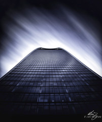 Sky Garden (Themightyoak) Tags: london city united kingdom uk britain great tower walkie talkie fenchurch 20 skyscraper building glass steel window curve architecture up sky long exposure dark contrast ultra street garden cloud streak streaks move movement canon 5d mk4 manfrotto travel photography photographer glow highlight