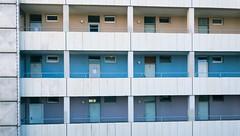 Colorful living (frankdorgathen) Tags: smartphone iphone iphone8plus fassade facade banal mundane urban ruhrpott ruhrgebiet rüttenscheid essen dull architecture architektur gebäude building