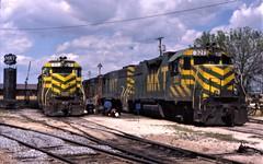 Servicing tracks (ujka4) Tags: katy missourikansastexasrailroad mkt gp382 gp40 321 210 sanantonio texas tx servicetracks missourikansastexas sloanyard