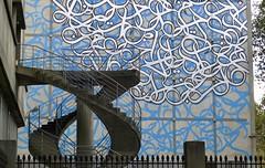 Double helix stairs, Paris University. Institut du Monde Arab in the back. (Winfried Scheuer) Tags: spiraltreppe doppelte helix