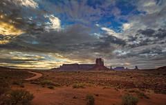 Monument Valley Landscape-HDR (bienve958) Tags: eeuu monumentvalley landscape sunset dessert atardecer paisaje