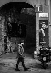 Jazz temptations... (damar47) Tags: blackandwhite blackwhite bnw biancoenero monotone monoart monochrome streetphotography streetstyle people strangers candid citycenter pentax pentaxian pentaxiani k30 jazz music walk walking italy italia bologna mycity