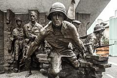 Levantamiento de Varsovia (Polonia) (Juanjo RNS) Tags: varsovia warszawa soldado levantamiento guerra war segundaguerramundial worldwar polonia canon canon6d