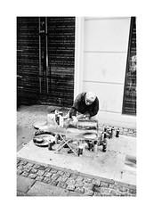 (The Peace Frog) Tags: leicam4p 35mmsummicronv4 fuji acros100 streetphotography copenhagen denmark film analogue bw