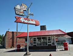 Frostee's Fun (pam's pics-) Tags: ia iowa wintersetiowa smalltown mainstreet architecture midwest us usa america pamspics pammorris thebridgesofmadisoncounty madisoncountyiowa october2017iowaroadtrip sonya6000 sign vintagesign driveinn food icecream burger hamburger cafe restaurant frostees