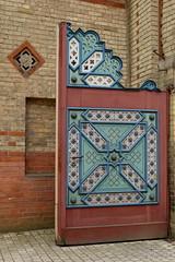 Magic Door (Sockenhummel) Tags: eingang neuruppin tempelgarten tor gate entrance tür verzierung garten park fuji xt10