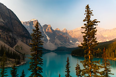 4N5A2461 (Mooney1908) Tags: banff national park landscape nature canada canon mountain mountains summer 2018 august vacation clouds photography photo west earth beauty pine trees lake water moraine sunrise