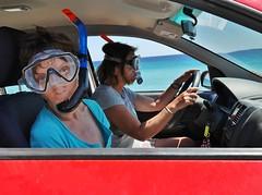 J'veux descendre ! :-) (Thierry.Vaye) Tags: délire humour voiture masque mer tuba xerokampos plage crète nadia loanne lolo