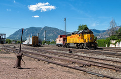 Working the East Yard (Wheelnrail) Tags: up union pacific train trains emd gp402 east yard colorado springs co mountain rocky pikes peak subdivision local yco65