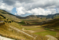 landscape and sky........ (atsjebosma) Tags: montesibiliny italy landscape sky clouds colours mountains summer august bergen atsjebosma castelluccio umbria umbrië coth5