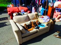 Sitting Comfortably (vw4y) Tags: cherubs sittingcomfortably sofa fleamarket monmouth