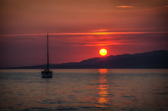 Valinco Rouge (Frosty__Seafire) Tags: sunset red yellow sun set setting yacht sailing boat reflection seascape evening sea rouge corsica corse valinco propriano